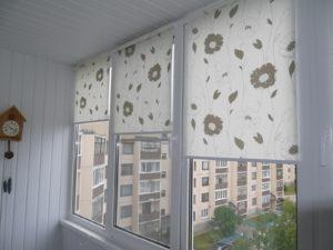 Установка рулонных штор на пластиковые окна во Владимире